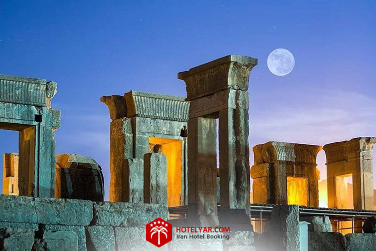 کاخ تچر تالار آیینه تخت جمشید شیراز