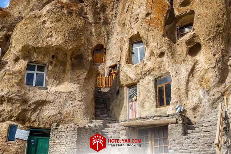 روستای کندوان تبریز، روستای صخره ای جهان