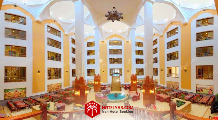 تصویر نمای داخلی و کافی شاپ هتل صفائیه یزد