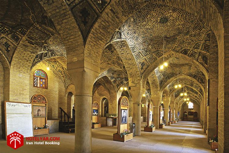 شبستان شرقی بخش موزه مانند مسجد نصیرالملک شیراز