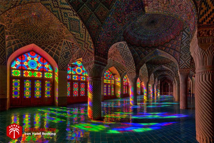 مسجد نصیرالملک شیراز زیبای صورتی دلربا