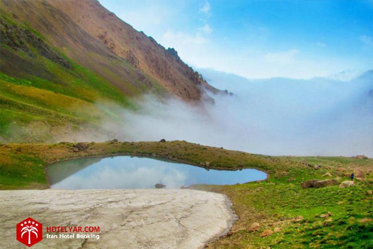 تصویر دریاچه حصارچال چالوس