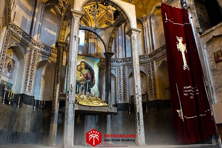 تصویر داخل کلیسا سنت استفانوس مقدس