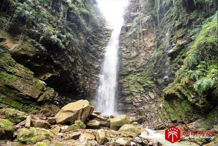 آبشار اکابل از جاهای دیدنی چالوس و مازندران