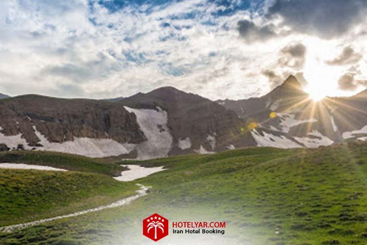 تصویر علم کوه از زیباترین کوه های ایران
